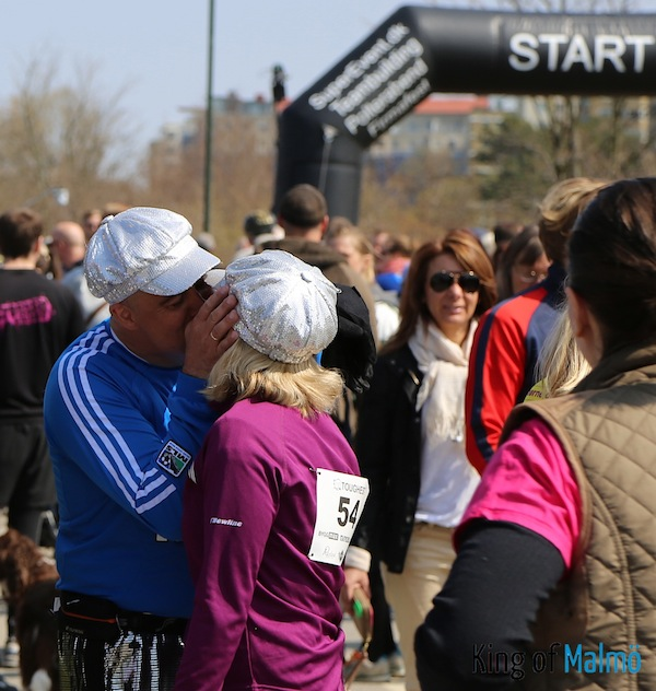 Warm up kiss before the race