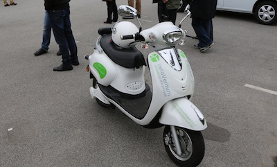 All mopeds should be electric